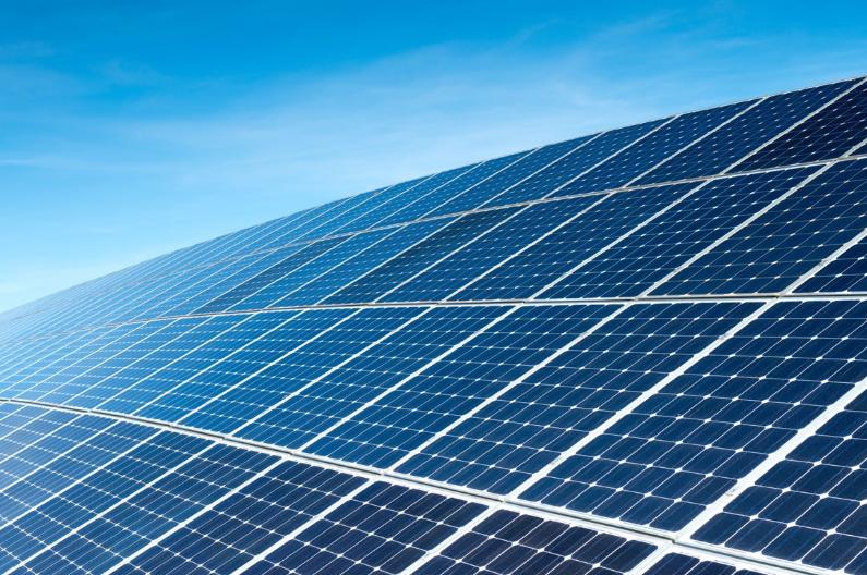 france 392 projets de panneaux solaires photovolta ques sur le toit ont b n fici de contrats. Black Bedroom Furniture Sets. Home Design Ideas